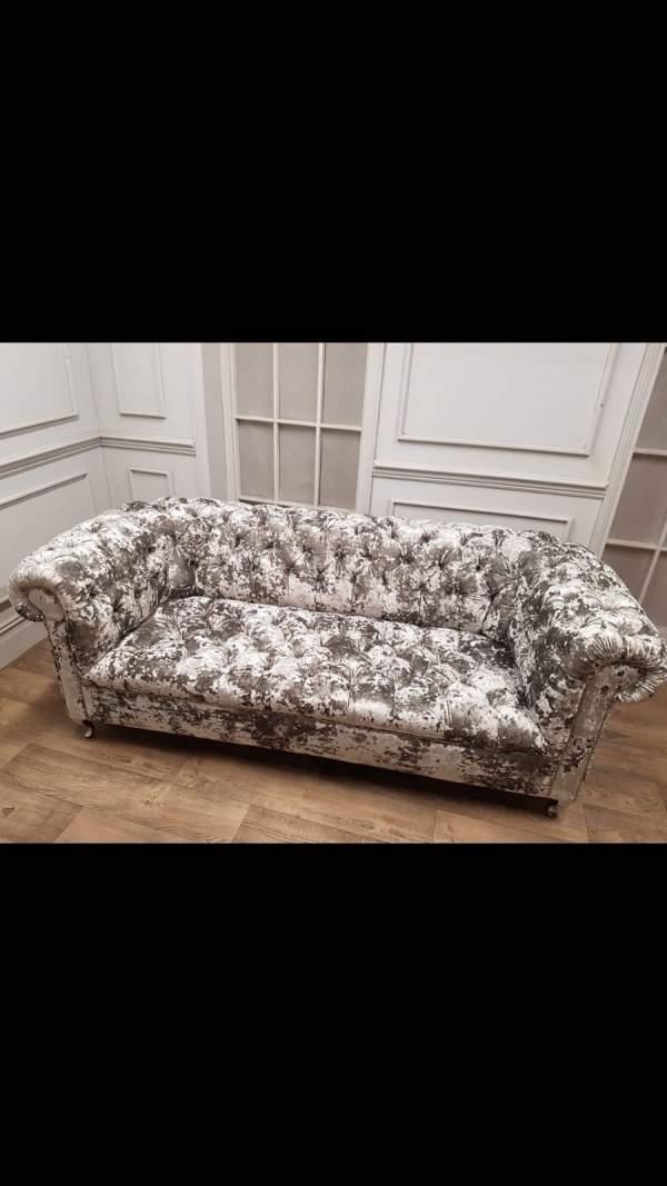 Berlin Chesterfield Crushed Velvet 2 Seater Sofa