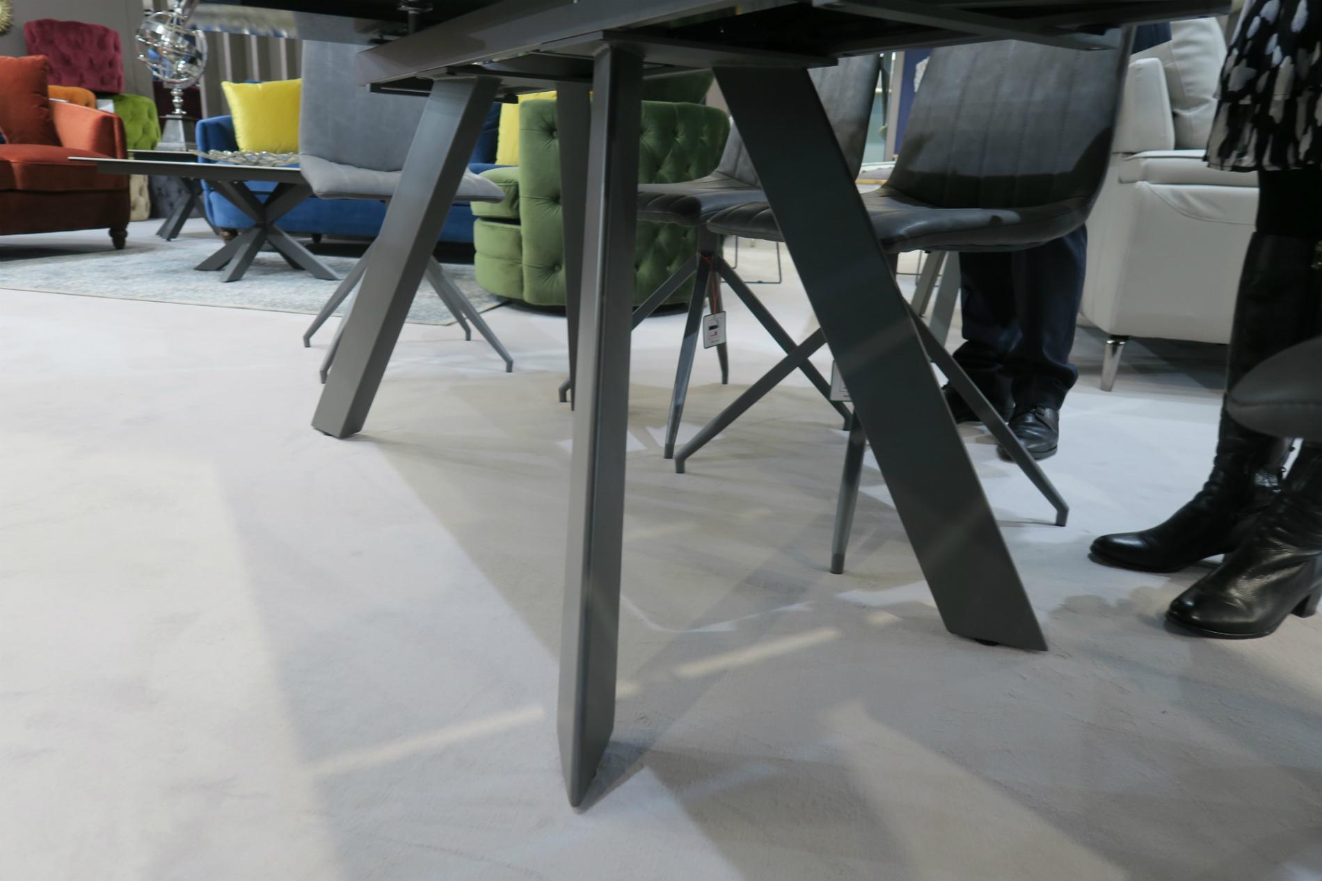 Vida Living Flavia Table legs